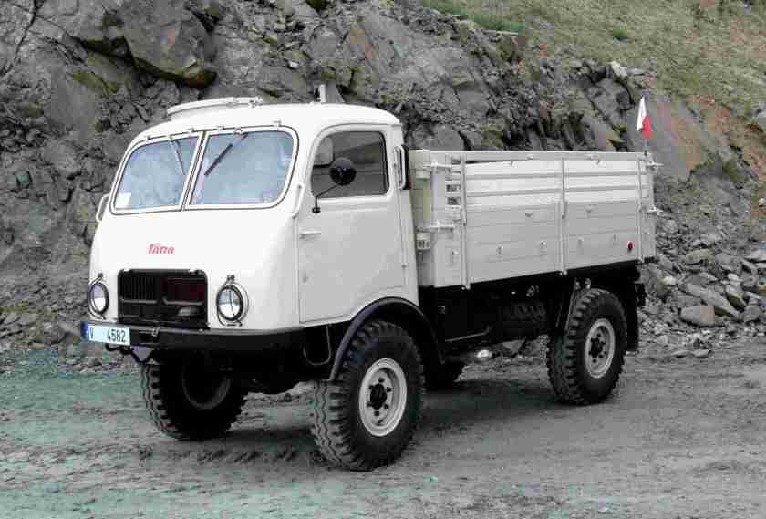 Tatra-805-(1)