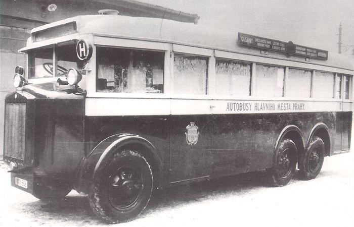 Tatra T24 bus a