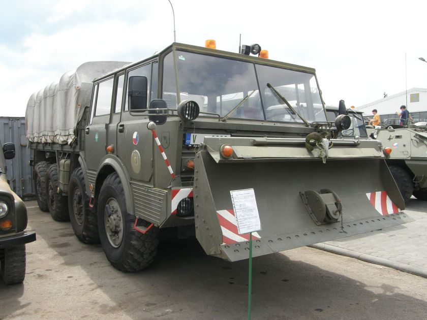 Tatra T813 KOLOS military specs with dozer blade
