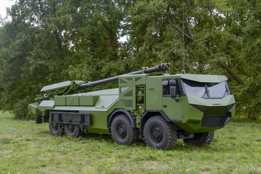 TATRA T817 samohybna-houfnice-caesar-na-podvozku-tatrovky-1401