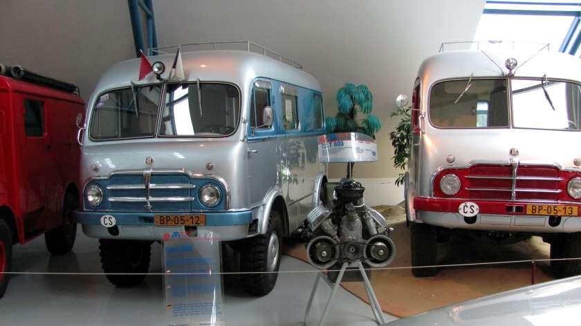 Tatra_805_Zikmund_Hanzelka_+_engine
