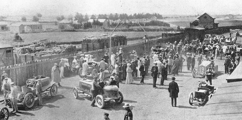 1904-circuit-des-ardennes-weigh-in-at-bastogne-with-henry-farman
