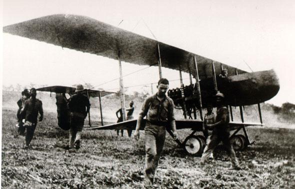 1916 farman-f40-01z Portuguese Farman F.40 in Mozambique, during the EastAfricanCampaign of World War I