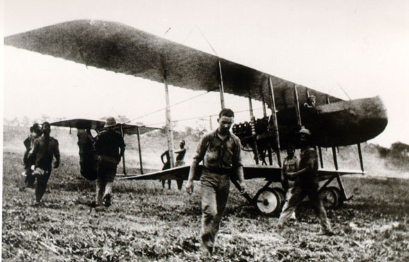 1916 farman-f40-01z Portuguese Farman F.40 in Mozambique, during the East African Campaign of World War I