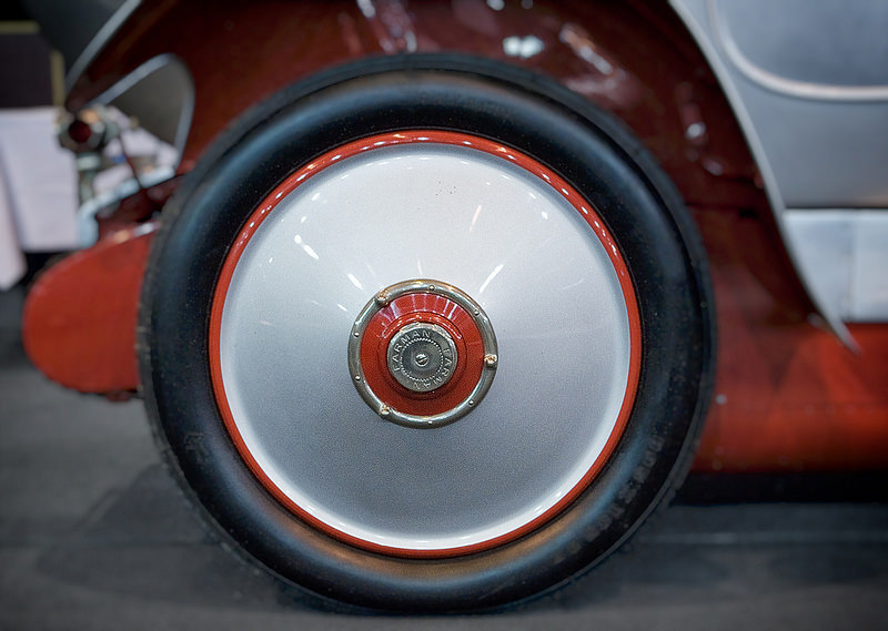 1926-farman-wheelcover