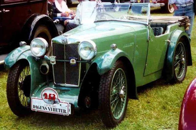1932-mg-d-type-4-seater-tourer