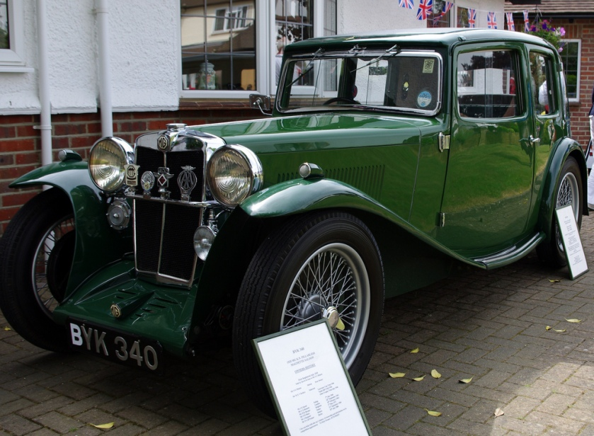 1934-mg-k-n-pillarless-magnette-saloon