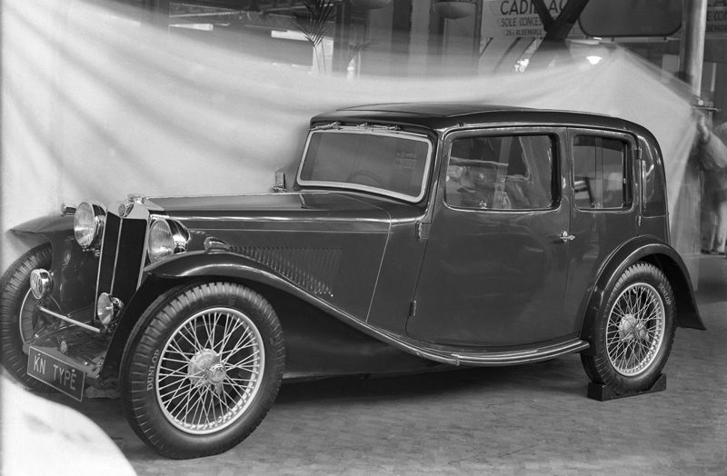 1934-mg-kn-magnette-pillar-less-saloon-was-a-six-cylinder-fast-touring-car