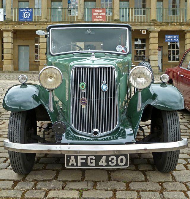 1935-armstrong-siddeley-17hp-saloon