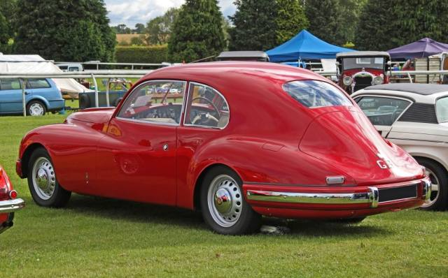 Bristol 401 Series III.  The Series III cars had rear lights above and parallel to the bumpers.  The body was based on a  Carrozzeria Touring  design and was fabricated in aluminium on a lightweight tubular chassis