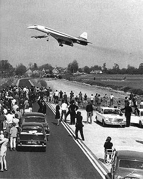 1969-1st-flight-of-concorde-002-filton-bristol