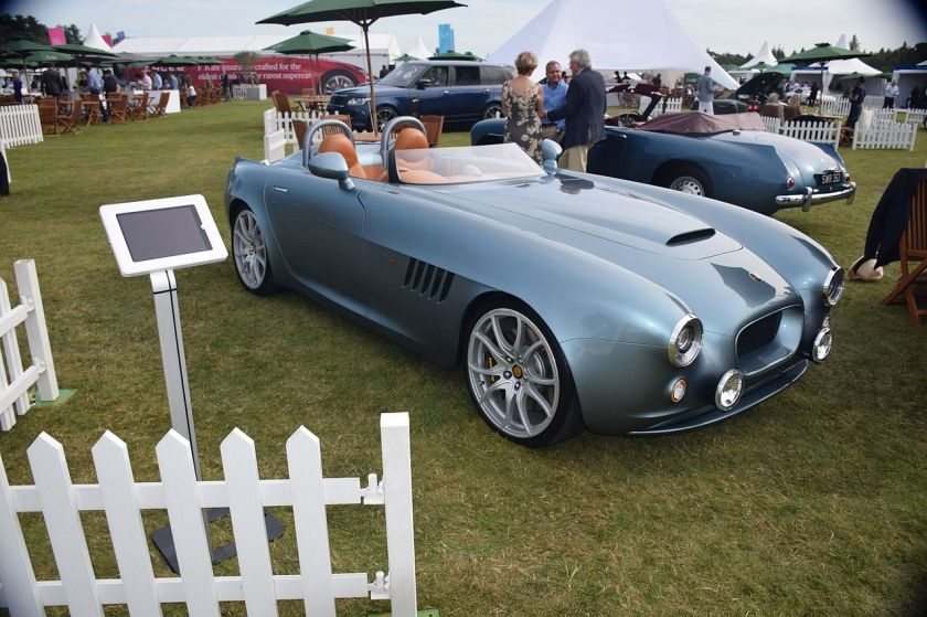 bristol-bullet-and-a-bristol-405-drophead-coupe-on-display-at-salon-prive
