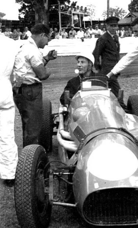 cooper-bristol-t20-driven-by-stirling-moss