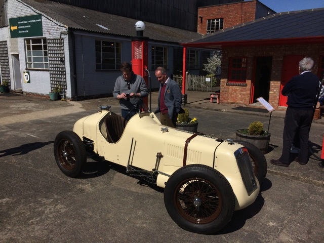 mg-r-type-racer-is-a-recently-completed-replica