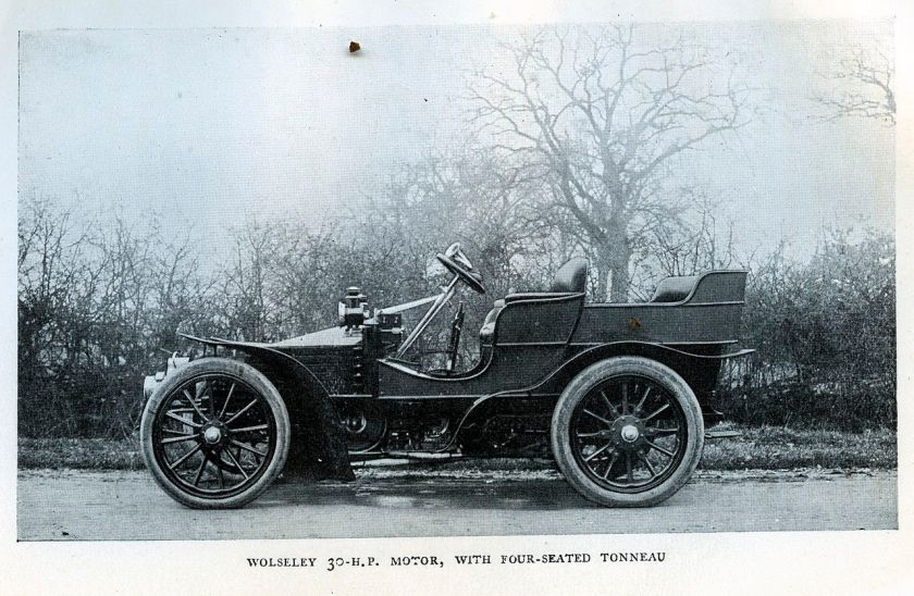 1903-04-wolseley-30hp-motor-with-four-seated-tonneau