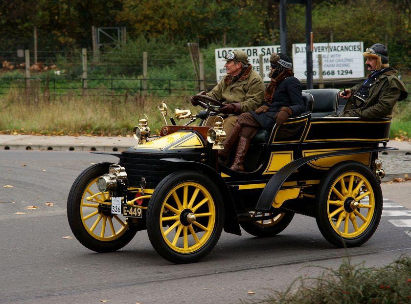 1903-wolseley-2-cylinder-10hp-tonneau