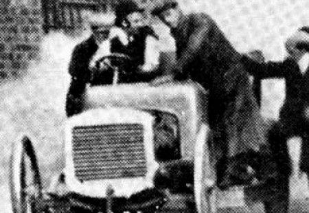 1906-ancienne-austin-15-20-empattement-2-97-m-poids-1165-kg-pneus-avants