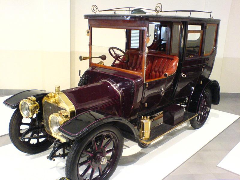 1910-wolseley-12-16-limousine