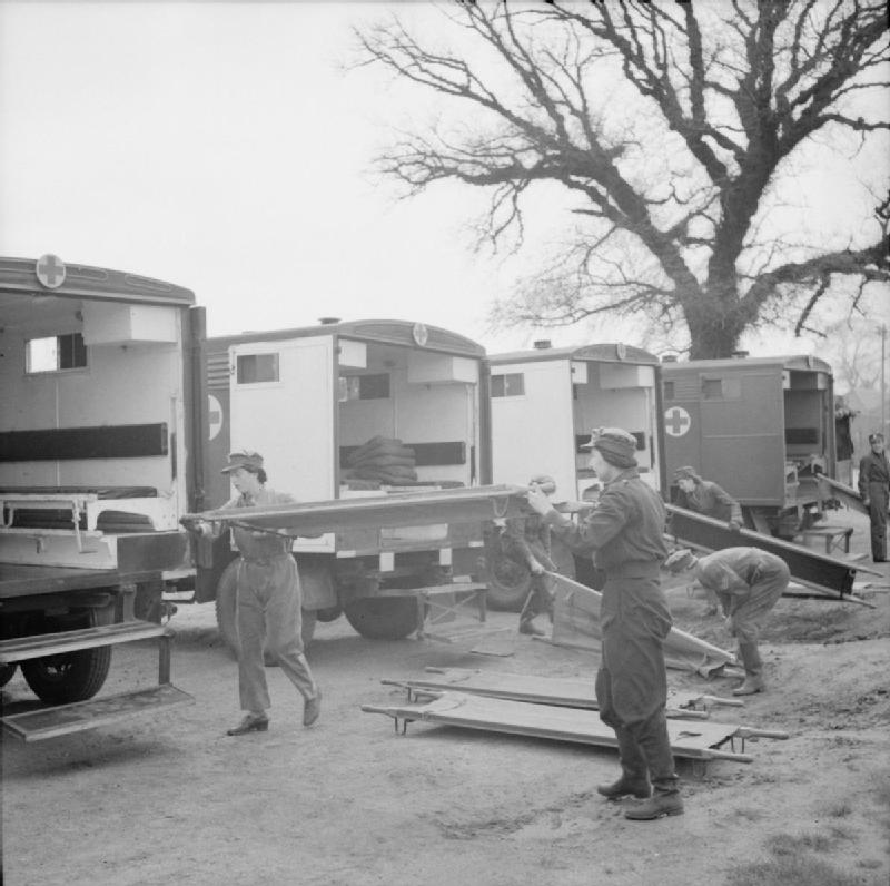 1939-45-ambulance-crews-of-the-first-aid-nursing-yeomanry-fanys