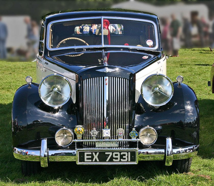 1947-austin-a125-sheerline-ds1-head