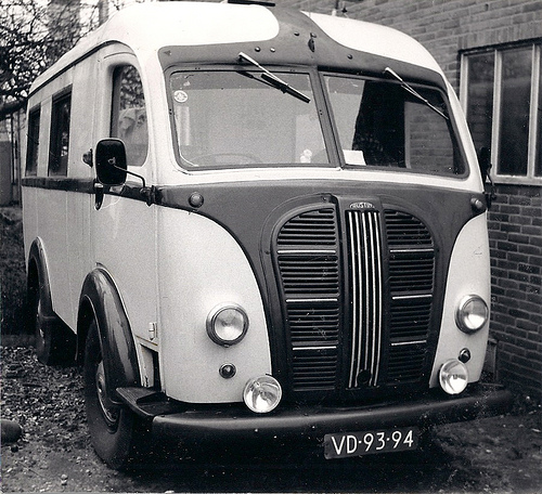 1949-austin-k8-25cwt-three-way-ambulance-camper