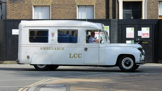 1949-daimler-ambulance