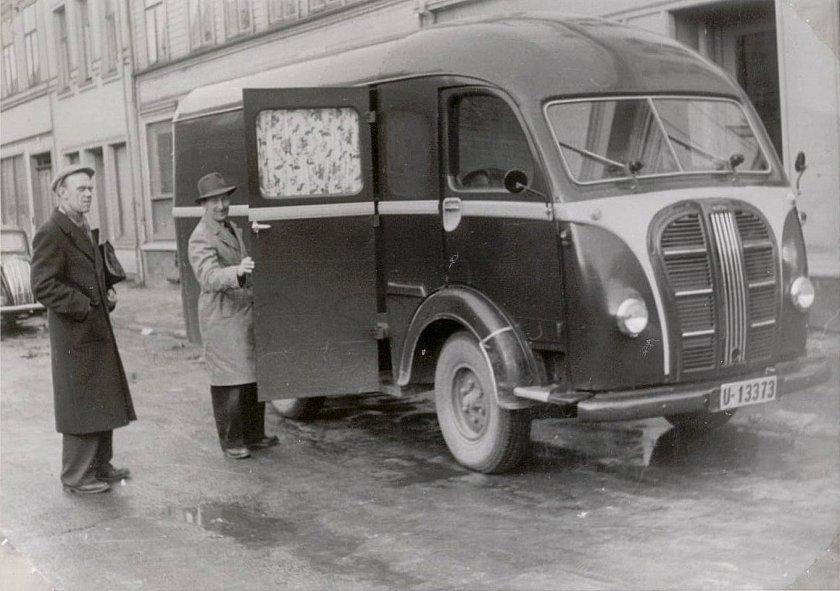 1953-austin-k8