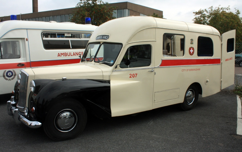 1957-ambulance-austin-princess