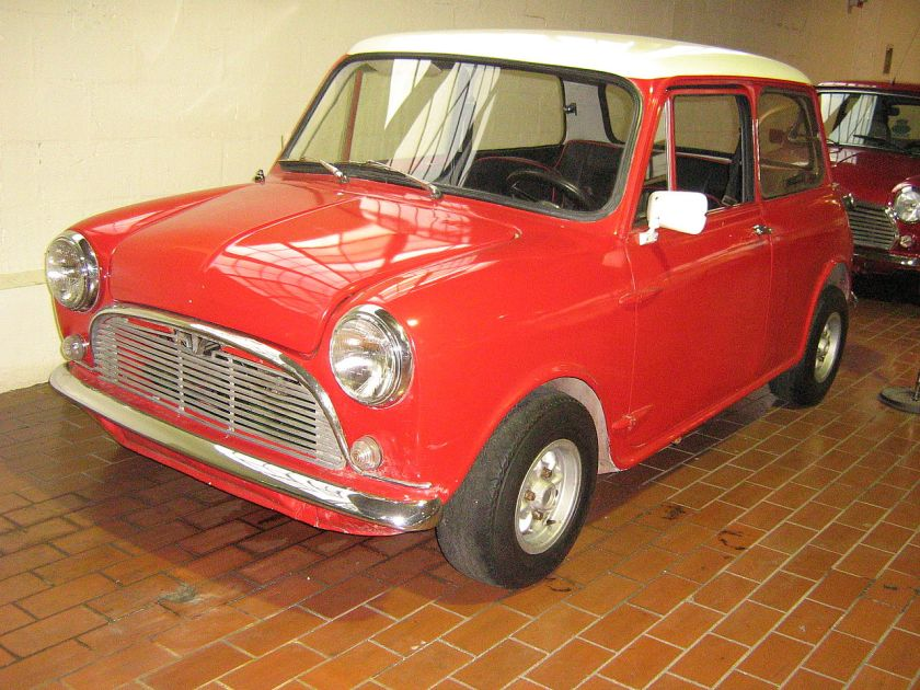 1969-austin-mini-south-american-build-with-fiberglass-body