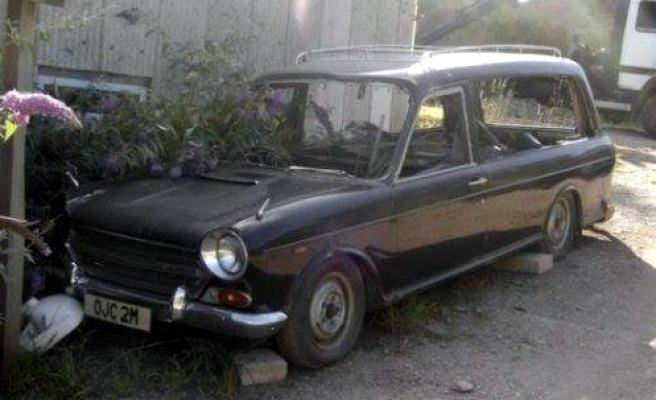 1974-austin-2200-ado17-hearse