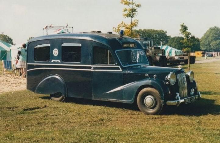 1982-bournemouth-austin-sheerline