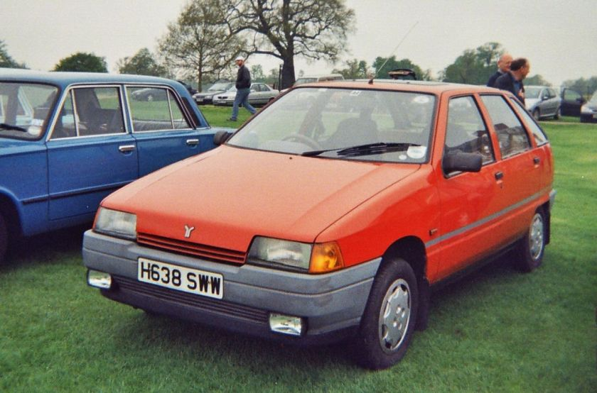 1990-yugo-sana-uk-right-hand-drive-model