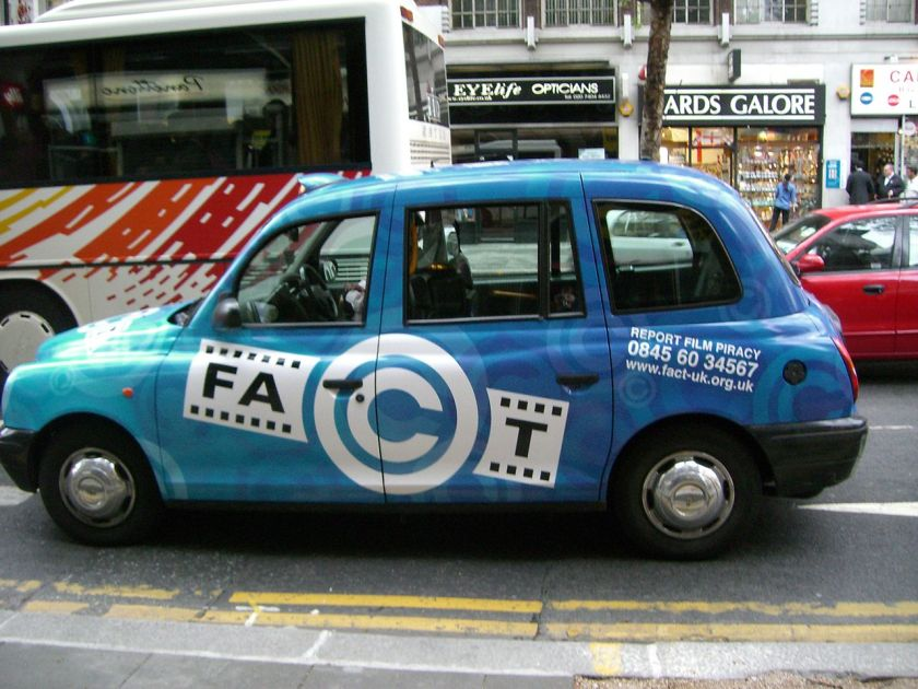 2006-federation-against-copyright-theft-fact-advertisement-on-a-hackney-carriage