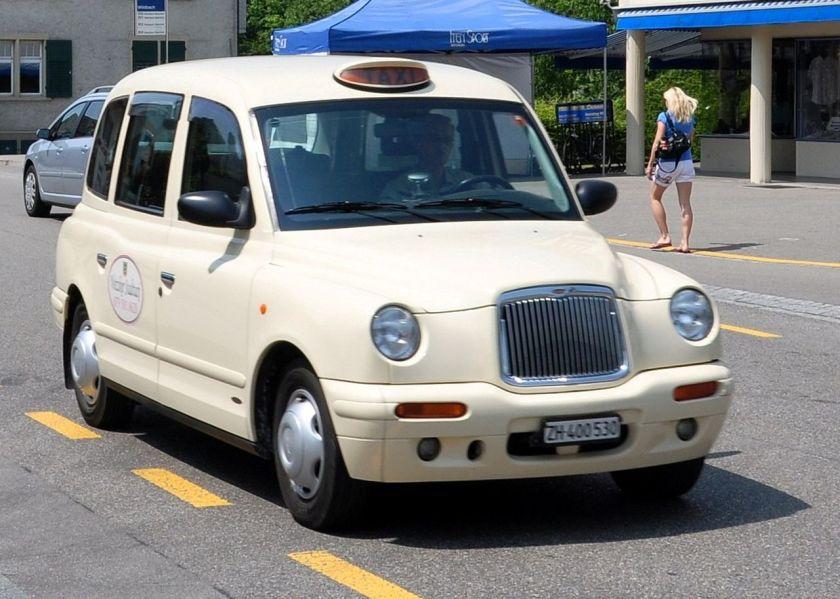 2010-austin-london-taxi-tx1-model-in-switzerland