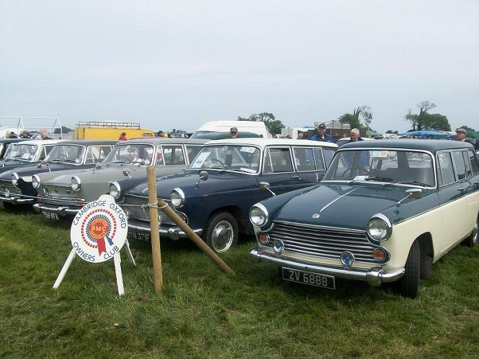 a-group-of-three-farina-estates-seen-at-the-mosney-vintage-show-on-june-7th-2009-as-part-of-the-cambridge-oxford-owners-club-first-ever-irish-event-3-estates