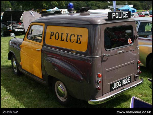austin-a35-4-policecar