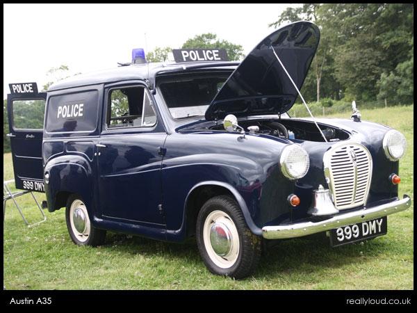 austin-a35-policecar