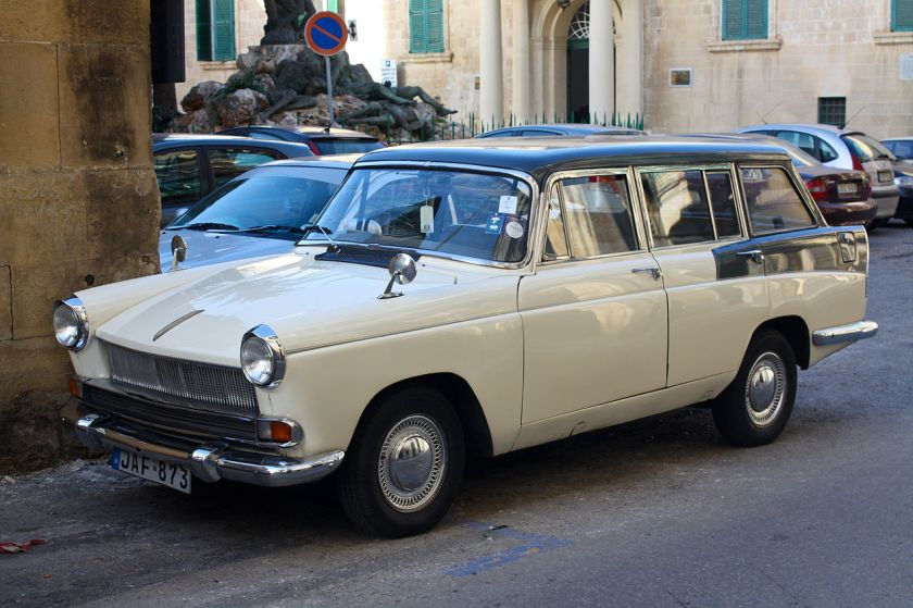 austin-a55-mkii-cambridge-estate-in-la-valletta
