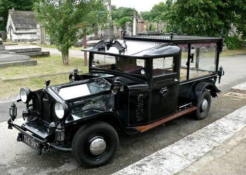 austin-hearse-antique