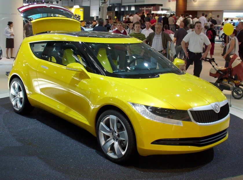 skoda-joyster-yellow