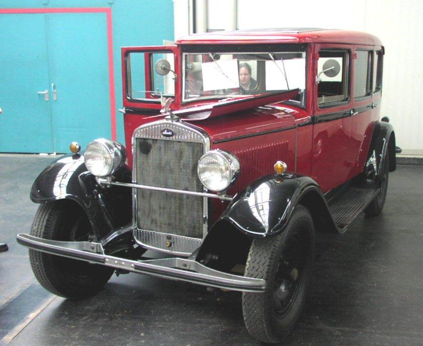 1930-skoda-430-w-wersji-sedan-z-1930-roku