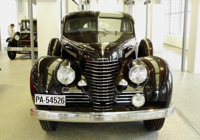 1946-skoda-superb-3000-ohv-front