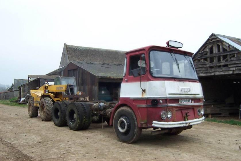 1964-erf-lv-66gx-6x4-heavy-haulage-tractor-unit