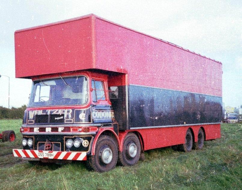 1967-erf-68g-lv-a-very-tidy-showmans-van