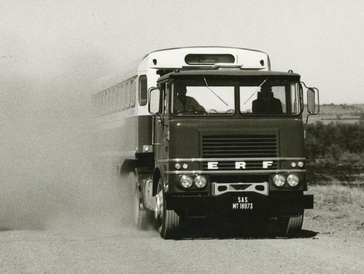 erf-lv-6x4-articulated-bus-yes-bus-south-african