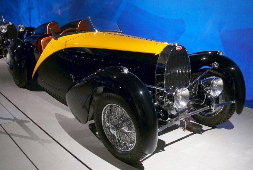 1934-bugatti-type-57-roadster-grand-raid-gangloff-bicolor-a