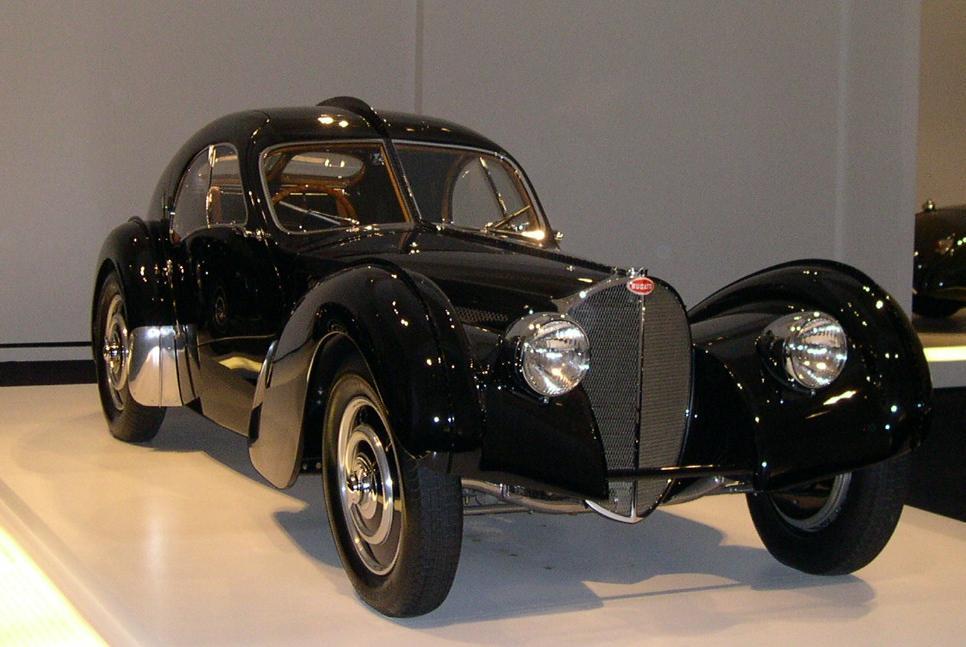 Bugatti  Atlantic L/'automobiliste N°62 Alpine A 110 Talbot Lago baby