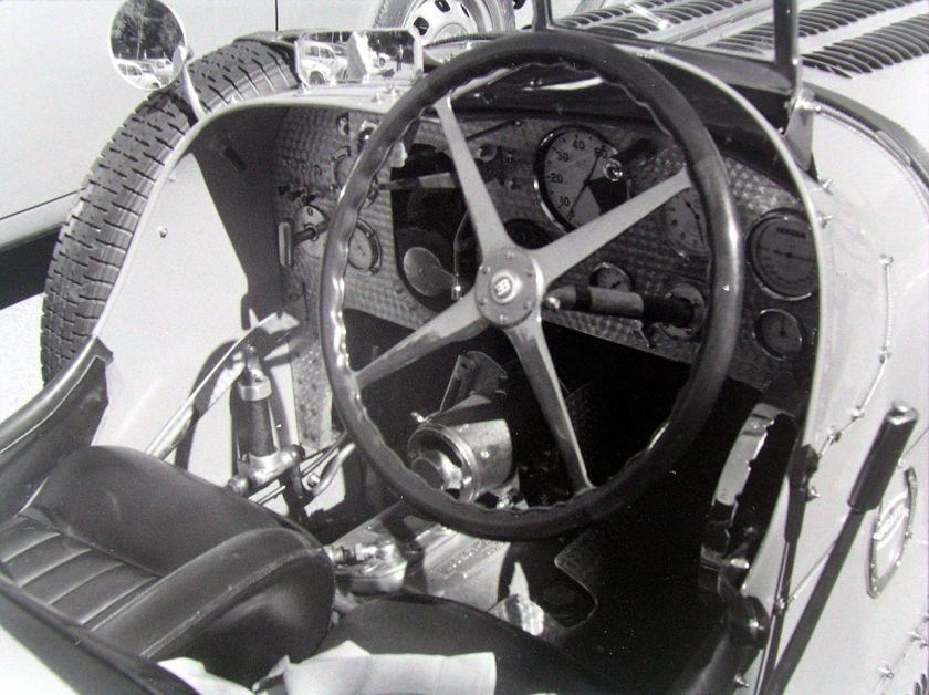 bugatti-type-51-cockpit-wilson-pre-selection-gearbox