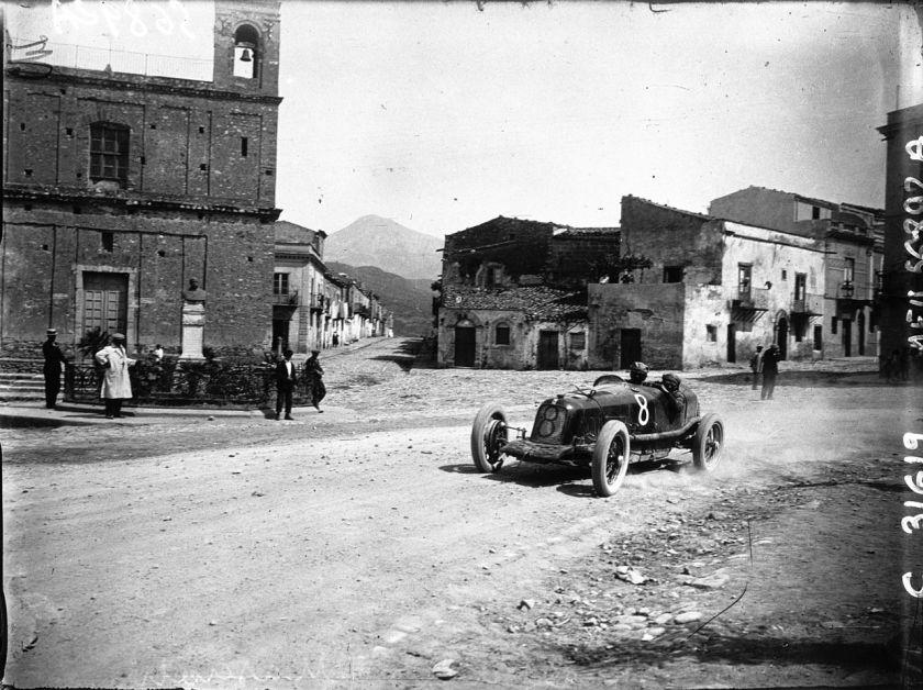 1928-maserati-26-bei-der-targa-florio-1928