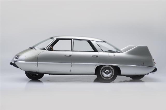 1960-pininfarina-x-sedan